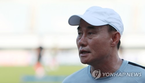 South Korea under-23 national football team head coach Kim Hak-bum speaks to reporters at Paju Stadium in Paju, north of Seoul, on Aug. 6, 2018. (Yonhap)