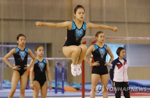 South Korean artistic gymnast Yeo Seo-jeong (C) practices for the 2018 Asian Games at the Jincheon National Training Center in Jincheon, 90 kilometers south of Seoul, on Aug. 8, 2018. Yeo will compete at the Aug. 18-Sept. 2 Asian Games in Jakarta and Palembang, Indonesia. (Yonhap)