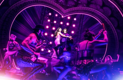 "This photo, provided by CJ ENM, shows a scene from the musical ""Moulin Rouge"". (Yonhap)"