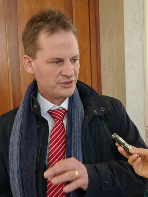 Ralf Pfitzner, vice president of the global head of sustainability at Volkswagen, answers questions in an interview with Yonhap News Agency on the sidelines of a sustainability seminar in Italy on Feb. 9, 2019. (Yonhap)