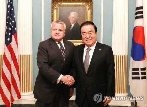 South Korea's National Assembly Speaker Moon Hee-sang (R) meets with U.S. Deputy Secretary of State John Sullivan at the State Department in Washington on Feb. 11, 2019. (Yonhap)