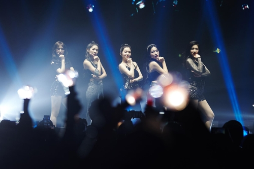 This photo, of Red Velvet during a concert in Newark, is provided by SM Entertainment. (Yonhap)