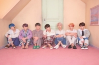 (LEAD) BTS breaks its own record for highest first-week album sales with 'Map of the Soul: Persona'