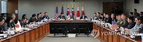 S. Korea, U.S., Japan hold trilateral security talks - 1