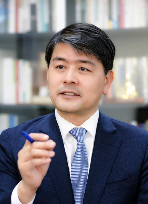 Shown in this photo provided by the Ministry of Trade, Industry, and Energy is Joo Young-joon, South Korea's deputy minister for energy and resources. (PHOTO NOT FOR SALE) (Yonhap)