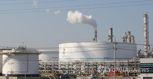 An oil refining plant in Yeosu, South Jeolla Province, 450 kilometers south of Seoul (Yonhap)