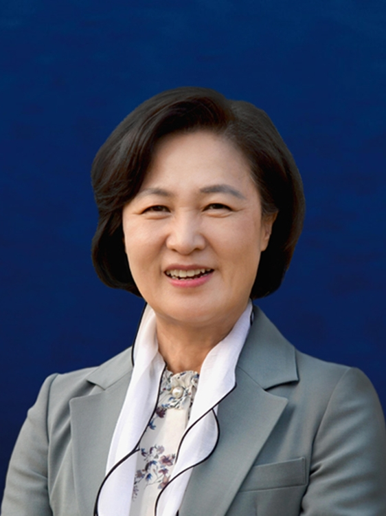 This photo provided by Cheong Wa Dae shows Rep. Choo Mi-ae of the Democratic Party, nominated to head the Ministry of Justice. (PHOTO NOT FOR SALE) (Yonhap)