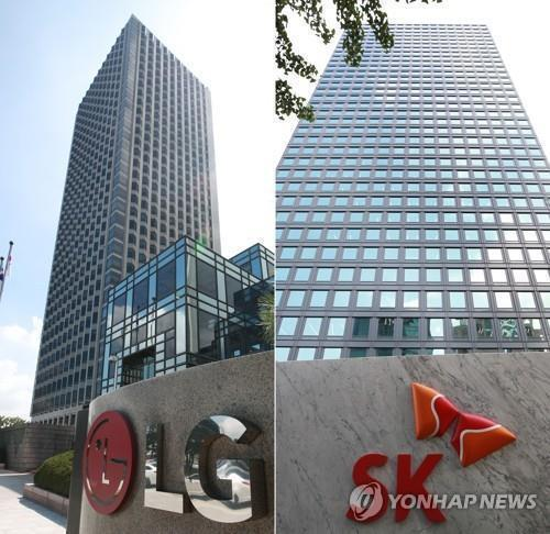 This composite image shows the headquarters of LG Chem Ltd. (L) and SK Innovation Co. in Seoul. (Yonhap)
