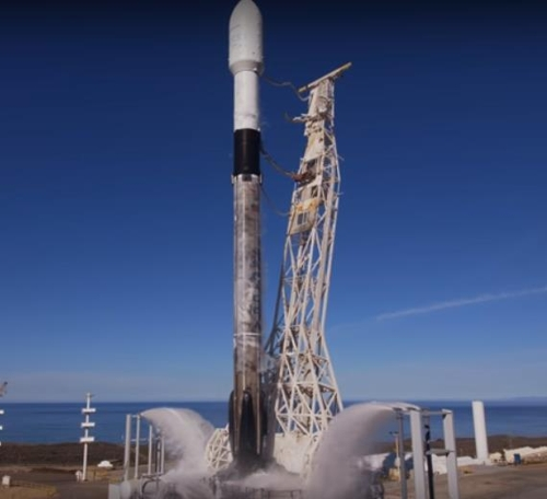 스페이스X, 3개월전 로켓 재활용해 다시 발사 성공 (캐나다 지구관측위성) [기사]