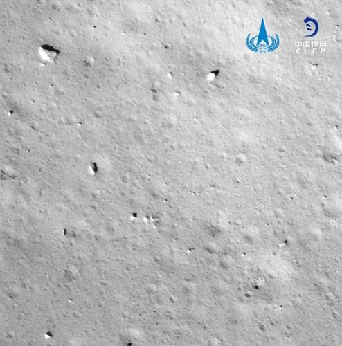 창어 5호가 보내온 달 표면 사진
