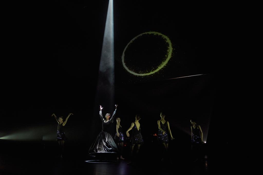 통영국제음악제서 세계 초연한 '디어 루나' 장면