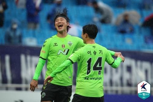 전북, 수원, '백승호 더비'3-1 완승 … 무패 선두 유지 (전체)