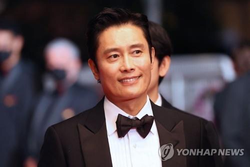 한재림 감독의 신작 '비상선언' 주연을 맡은 배우 이병헌