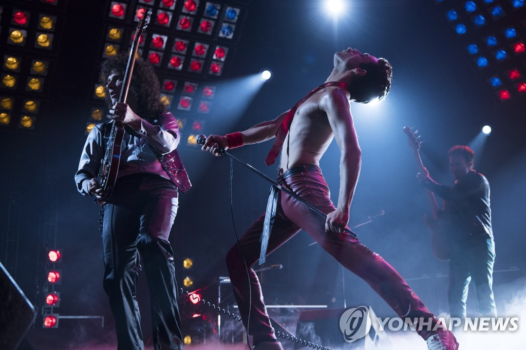 "This photo, provided by 20th Century Fox Korea, shows a scene from ""Bohemian Rhapsody."" (Yonhap)"