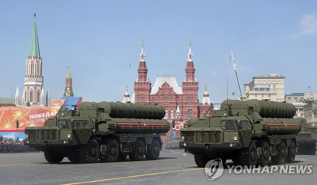 지난달 모스크바 붉은광장 퍼레이드에 동원된 S-400 방공미사일