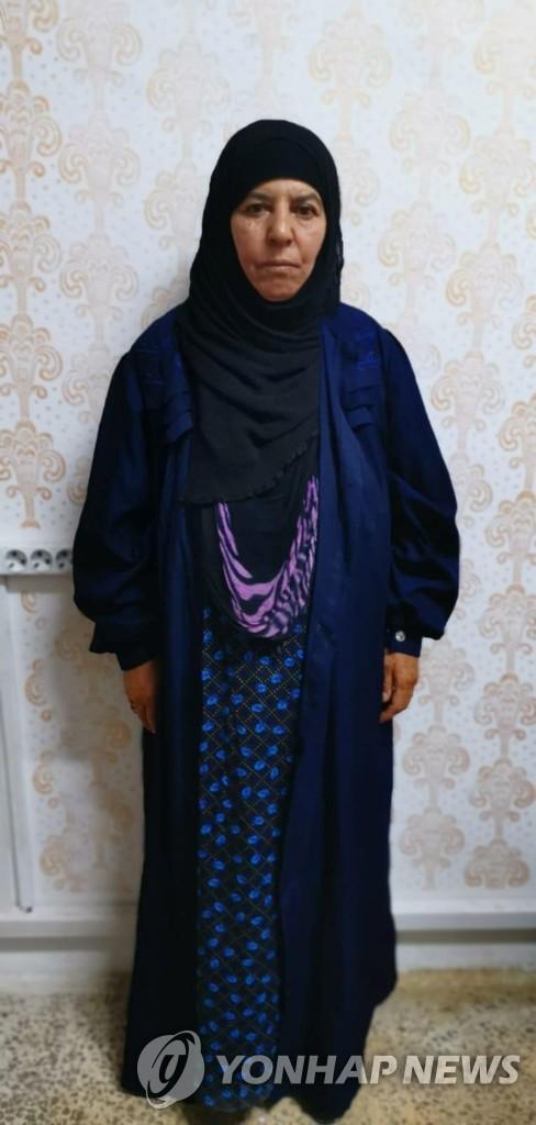 지난달 27일 사망한 IS 수괴 아부 바크 알바그다디의 친누나 라스미아 아와드(65)