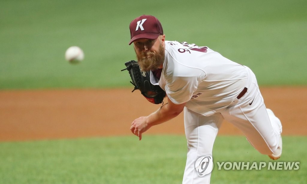 Eric Jokisch of the Kiwoom Heroes throws a pitch against the LG Twins in a Korea Baseball Organization preseason game at Gocheok Sky Dome in Seoul on March 12, 2019. (Yonhap)