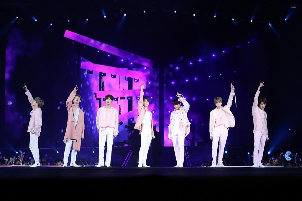 This photo, provided by Big Hit Entertainment, shows South Korean band BTS performing at MetLife Stadium in New Jersey, the United States, on May 19, 2019. (PHOTO NOT FOR SALE) (Yonhap)