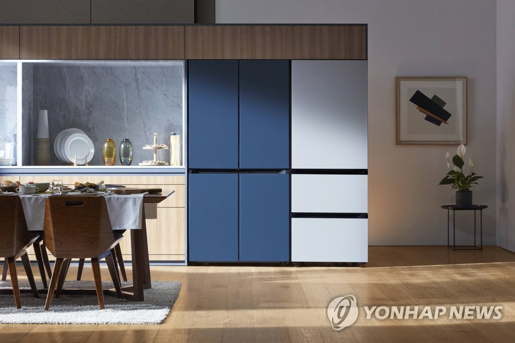 Samsung Electronics Co. introduces its refrigerator lineup called BESPOKE at a showroom of an electronics store in Seoul on June 4, 2019, in this photo provided by the company. (PHOTO NOT FOR SALE) (Yonhap)