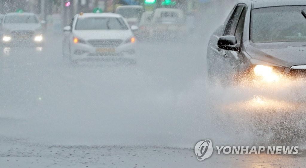 전북 순창 복흥에 127㎜ 비…14개 시·군 호우주의보 | 연합뉴스