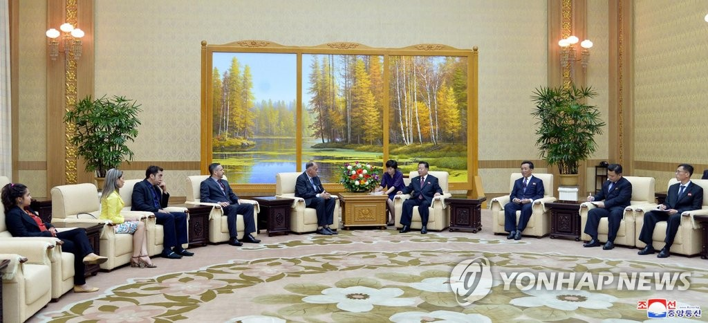 Choe Ryong-hae meets with Brazilian party delegation