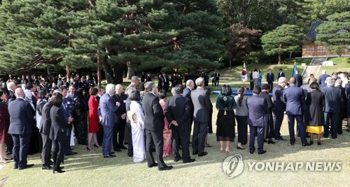 Moon receives foreign diplomats