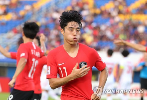 (LEAD) S. Korea beat Iran to clinch knockout berth at Olympic men's football qualifying tournament