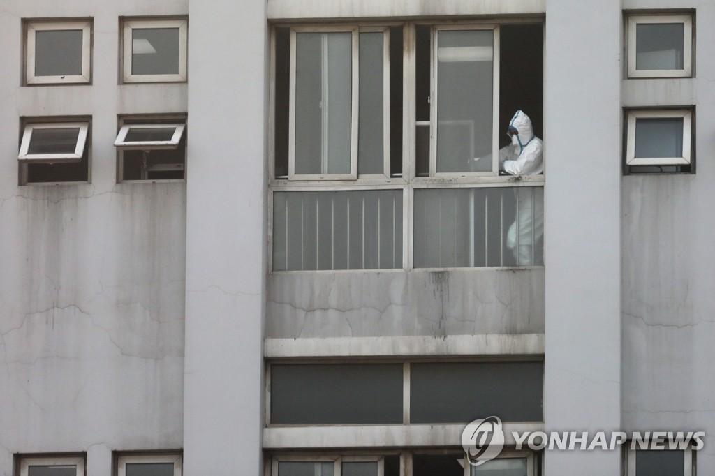 '우한 폐렴' 환자들 치료 중인 중국 진인탄 병원
