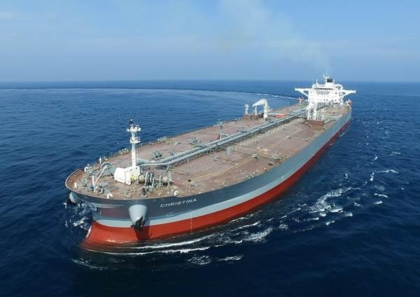 A very large crude-oil carrier built by Hyundai Heavy Industries Co. in this photo provided by Hyundai Heavy Industries Group (PHOTO NOT FOR SALE) (Yonhap)