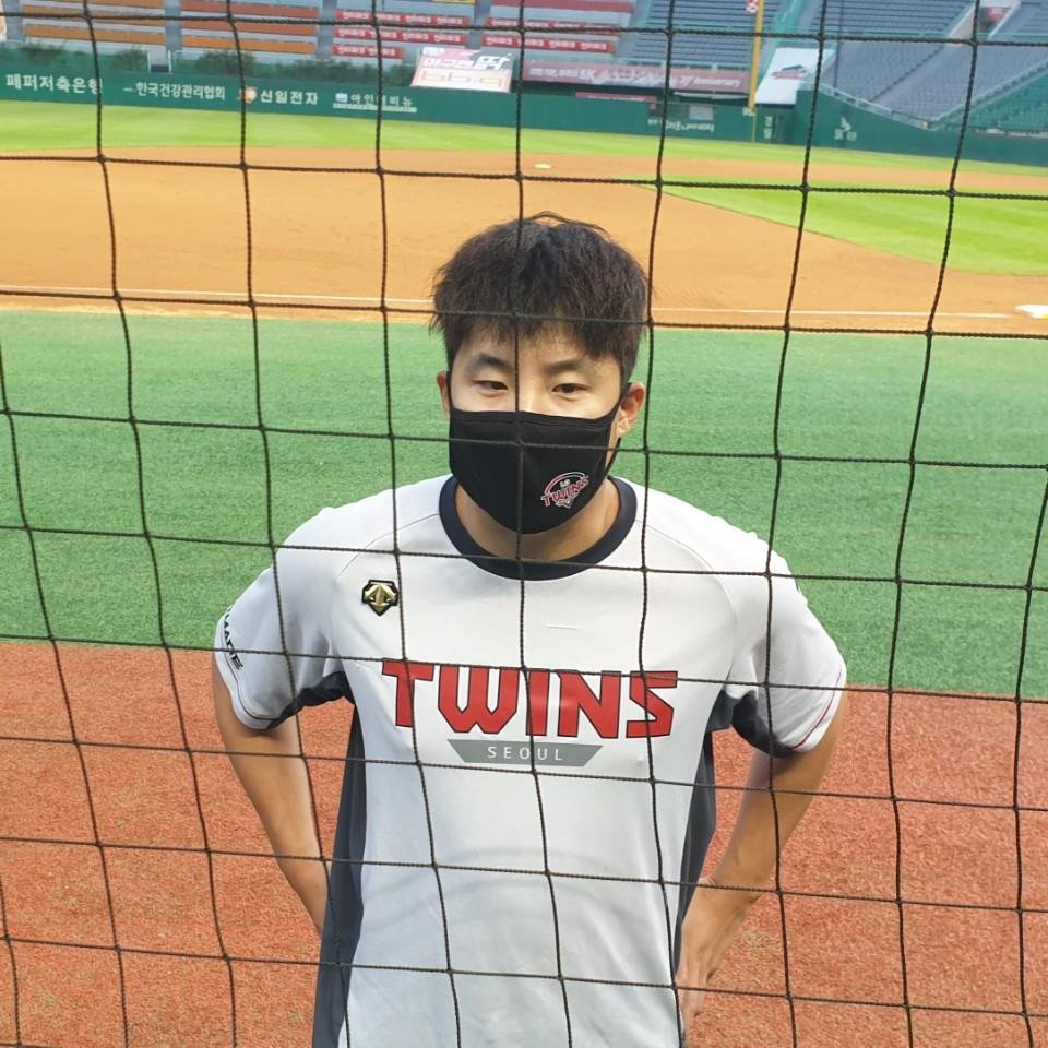 In this file photo from June 28, 2020, LG Twins' pitcher Im Chan-kyu speaks to reporters while wearing a mask after a Korea Baseball Organization regular season game against the SK Wyverns at SK Happy Dream Park in Incheon, 40 kilometers west of Seoul. (Yonhap)