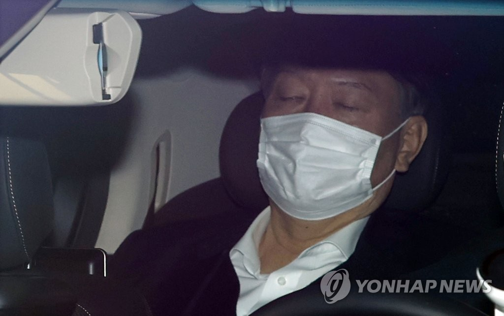 Prosecutor General Yoon Seok-youl arrives at the Supreme Prosecutors Office in Seoul for work on Dec. 16, 2020. (Yonhap)